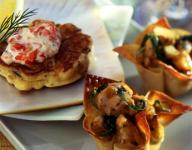 Asian Spiced Chicken in Wonton Cups with Vanilla Apricot Sauce