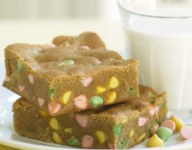 Blondies with Easter Chocolate Chips
