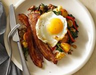 Breakfast Hash with Bell Pepper and Swiss Chard