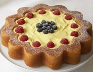 Daisy Ann Cake with Lemon Curd and Berries