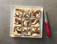 Nutella Swirled Cheesecake Bars