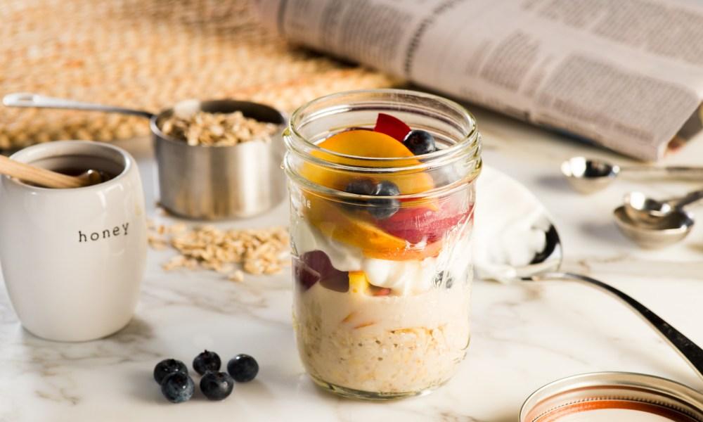 Overnight Oats with Fruit & Greek Yogurt