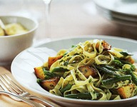 Pasta with Green Beans, Potatoes and Pesto