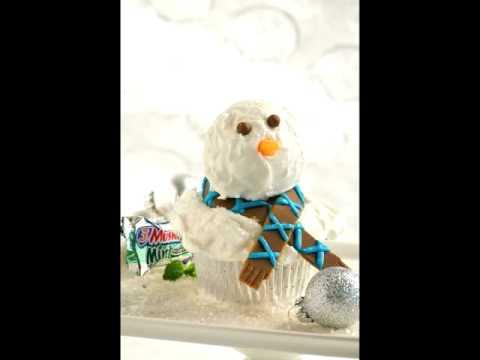 Build a Cupcake Snowman