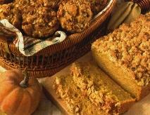 Pumpkin Pecan Muffins with Oatmeal Streusel