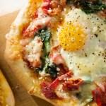 Apple Bacon Breakfast Pizza