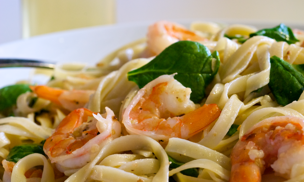 Easy Shrimp Scampi and Spinach Fettuccine