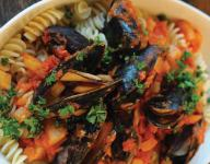Pasta with Mussels and Fennel