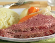 Slow Cooked Corned Beef & Cabbage