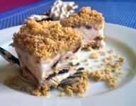 Easy No-Bake Frozen Blueberry Pie Recipe