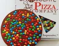 Chocolate Pizza: Food Channel Finds
