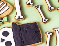 How To Make a Giant Gingerbread Skeleton