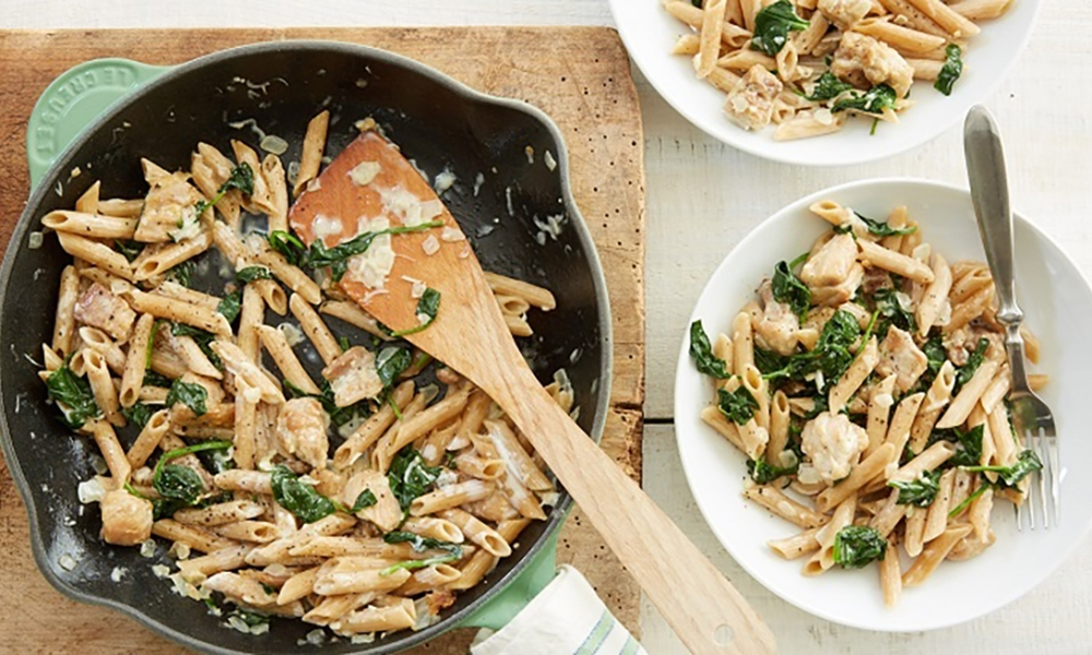 This Italian Florentine Pasta is made with tender chicken thighs, a creamy spinach-Parmesan sauce, and penne pasta. From start to finish, it only takes 20 minutes to create the delicious weeknight meal.