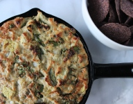 Healthy Hot Spinach and Artichoke Dip