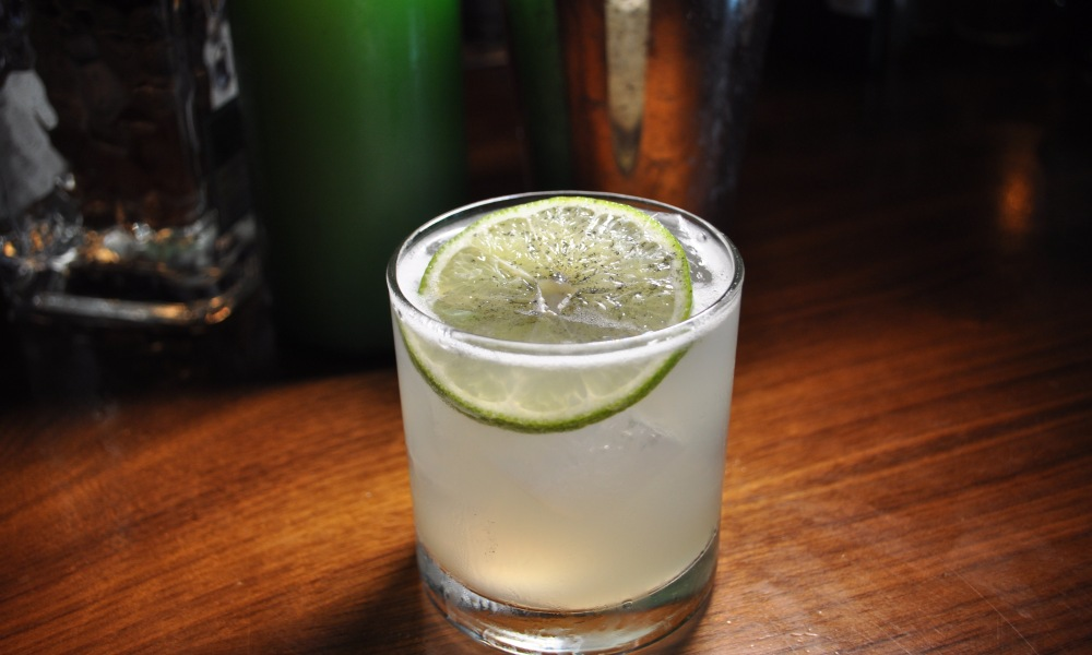 This industry favorite is a classic cocktail that is made with freshly squeezed lime, fresh agave, and Olmeca Altos Blanco tequila. It's perfect for any cocktail party!