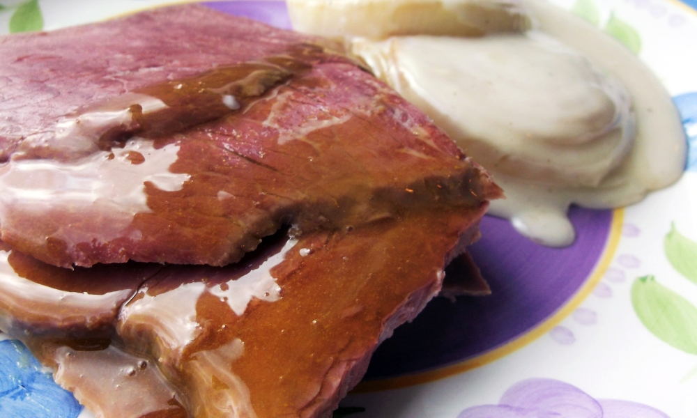 Such a simple, yet great flavored, corned beef dish that you don't have to wait until St. Patrick's Day to enjoy it. There's just something about the flavor of apple and corned beef that truly belong together.