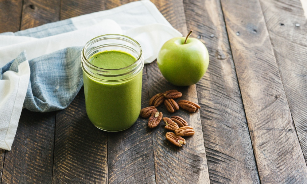 Homemade pecan milk and pecan pieces are the base for this invigorating Green Apple Pecan Smoothis that blends tangy green apple and spinach.