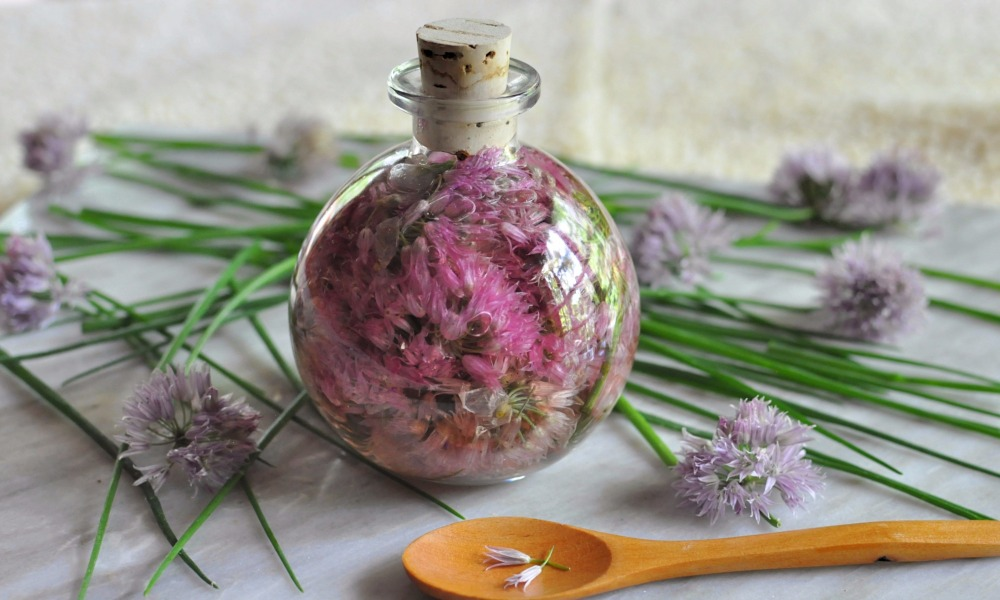 I have always loved the taste, smell and even the look of chives, especially when blooming with those passionate, purple seed heads. What is surprising is that chives also offer important health benefits, which include boosting heart health, improving the strength of our bones, protecting us against a wide range of cancers, easing digestion, boosting vision and boosting our immune system, too!