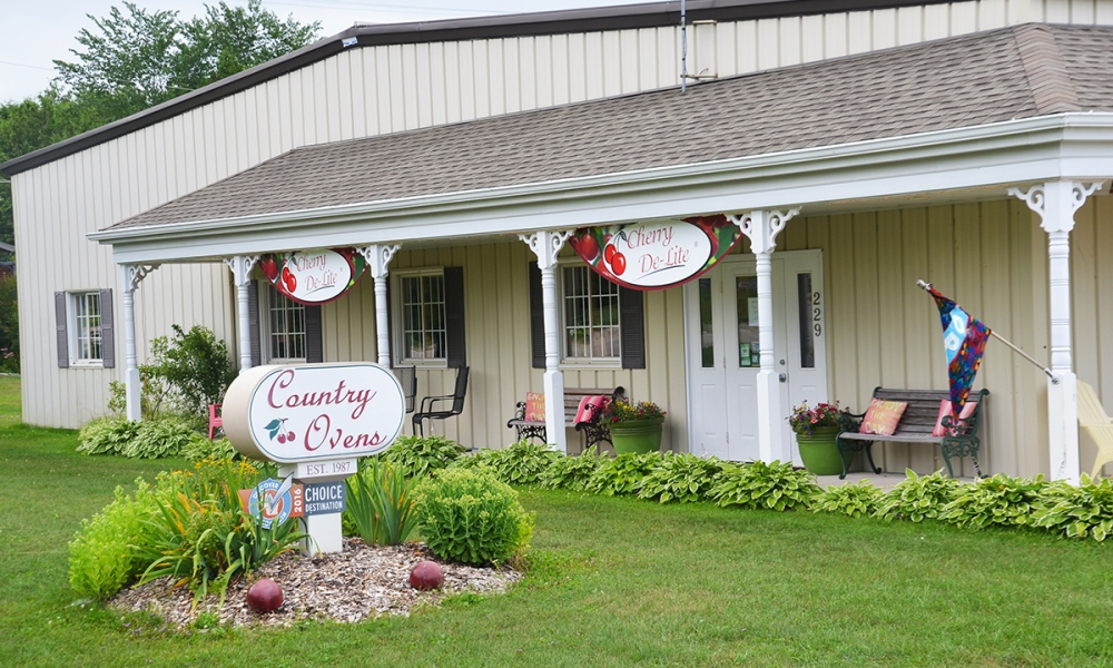 One way or another, if you visit Door County you are likely to end up at Cherry De-Lite. If not, you'll at least see, taste, or hear about their products. Our advice? Take the time to visit the shop.