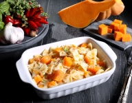 Pasta with Pumpkin Sauce, Turkey and Cranberries