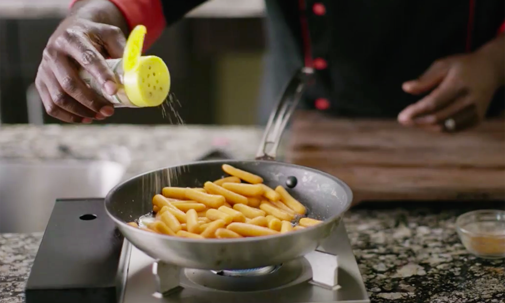 Chef Ace Champion shows you how to use his flambé technique to created Heath Rum Caribbean Glazed Carrots. The Jamaican seasoning adds a little kick to balance the sweetness.
