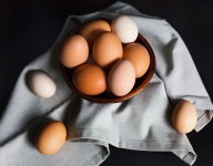 Ask The Chef: What's The Difference Between White And Brown Eggs?