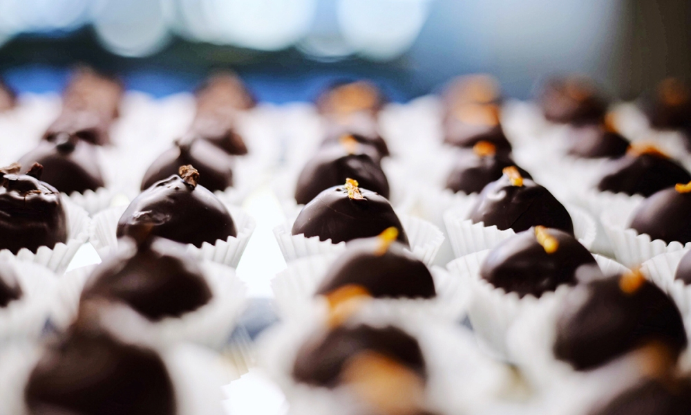 Truffles have intrigued people for a century and are often referred to as the black pearls of the earth. These subterranean mushrooms live amongst the roots of beech, hazel, oak and chestnut trees and have a distinct aroma and flavor.