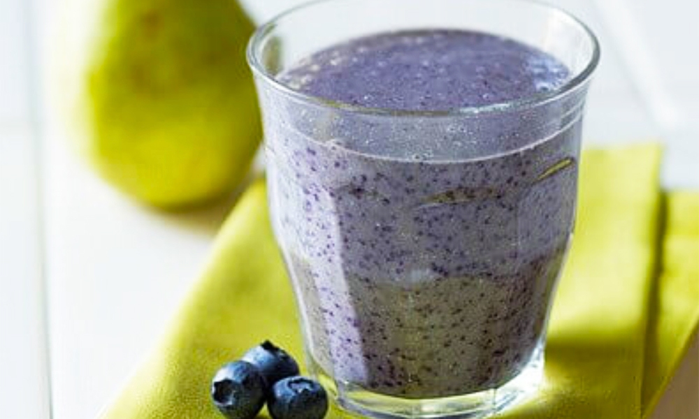 This Pear Oatmeal and Blueberry Breakfast Smoothie is the ultimate breakfast smoothie, combining pear, oats, blueberries, and milk.